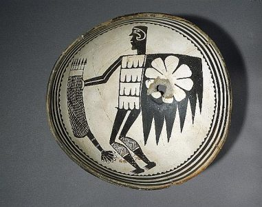 peabody mimbres pot with byzantine